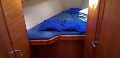 cabina Bavaria 37 cruiser