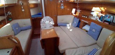 dinette Bavaria 37 Cruiser